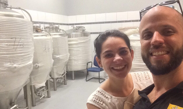 Proprietários da Distrito, Shanna e Frederico Ottoni, querem aproximar o consumidor da produção de cervejas